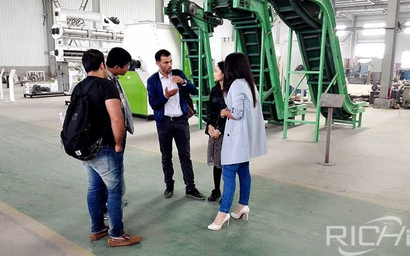 4tph Animal Pellet Feed Production Line customers visit the factory